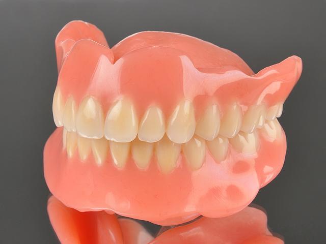通常の入れ歯
